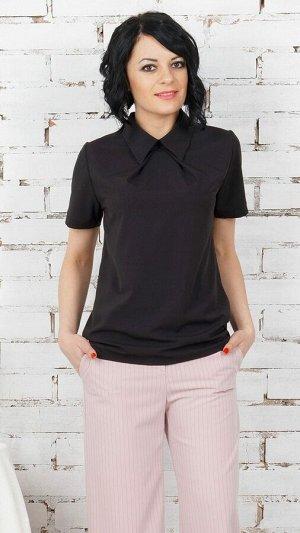 Блуза Блуза прямого силуэта из эластичнойблузочной ткани. Воротник блузочный. Рукава короткие, длина 20 см.  Низ прямой. Без подклада. Без застёжки. ДИ в 42-44 р 65 см, 46-48 р 66 см, в 50-54 р 68