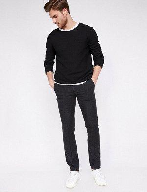 брюки Материал: %35 Akrilik, %35 Polyester, %20 Viskoz, %10 Y?n Параметры модели: рост: 190 cm,грудь: 80,талия: 98,бедра: 98 Modelin Bedeni: 42