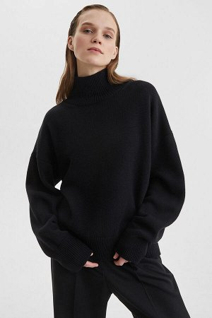 Свитер Модель: свитер. Цвет: чёрный. Комплектация: свитер. Состав: шерсть-50%, акрил-50%. Бренд: aim. Фактура: однотонная. Плотность: средняя.