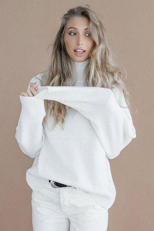 Свитер Модель: свитер. Цвет: белый. Комплектация: свитер. Состав: шерсть-50%, акрил-50%. Бренд: aim. Фактура: однотонная. Плотность: средняя.