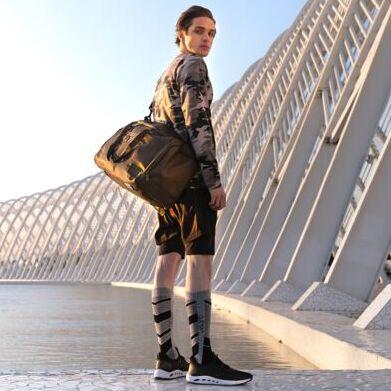 Спортивная одежда и обувь мирового уровня. Выбирай лучшее — Outhorn. Аксессуары (носки, сумки, шапки)