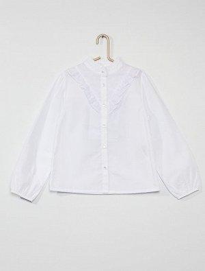 Рубашка с оборками и вышивкой гладью