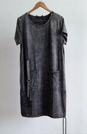 Платье Платье с карманами из тонкого хлопка, с карманами. Размеры соответствуют 48,50,52,54. Полноразмерное. Отделка стразами.