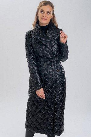 Черный Такая модель стеганого пальто не только прекрасно защищает от непогоды, но и кардинально преображает образ, делая его стильным и невероятно элегантным. В таком пальто вы всегда будете выглядеть