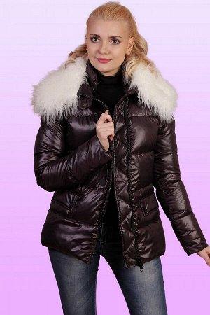 Куртка Куртки давно и прочно отвоевали себе место в женском гардеробе. Универсальность, практичность и удобство позволяют вписывать этот предмет одежды в любые стилистические комбинации. Куртка слегка