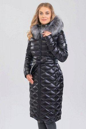 Черный Стеганое пальто с воротником-стойка идеально подходит для тех, кто не очень любит шарфы. Такая модель не только прекрасно защищает шею от холода, но и кардинально преображает образ, делая его с
