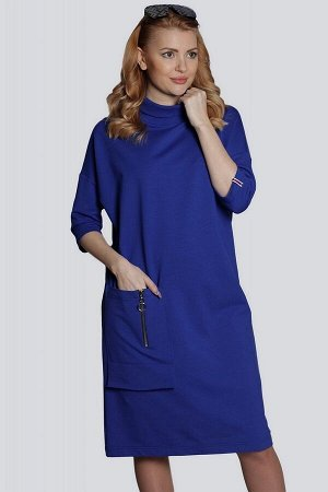 Ярко-синий Наибольшей популярностью среди модниц пользуются всевозможные платья из трикотажа. Платье с опущенными плечами, мягким воротником-стойка, свободного покроя незаменимо для повседневной носки