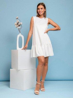 Платье ванильного цвета без рукавов с воланом
