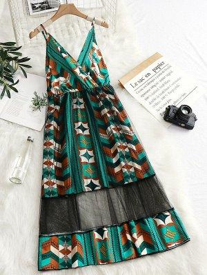 Платье на бретелях размера плюс с геометрическим принтом и сетчатой вставкой