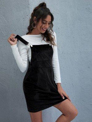 Однотонное вельветовое платье с карманом