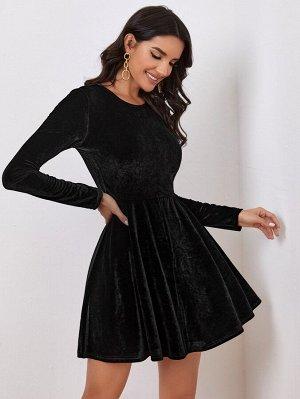 Бархатное платье с молнией сзади без пояса