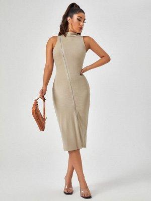 Трикотажное платье на молнии с воротником-стойкой