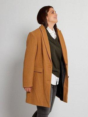 Пальто из материала под шерсть