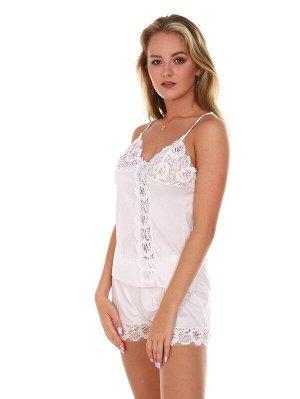 Пижама Ткань: Шелк Состав: 100% пэ Цвет: Белый Год: 2021 Страна: Россия Лёгкая ткань! Комфортная посадка! Пижама женская с шортами , выполненная из однотонного шелка с кружевом, станет самой любимой п