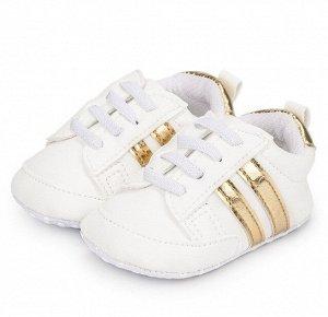 """Детские пинетки-кроссовки, принт """"Две золотые полоски"""", цвет белый"""