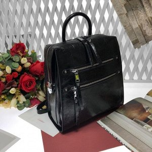 Рюкзак-трансформер PROMO из натуральной зеркальной кожи чёрного цвета.