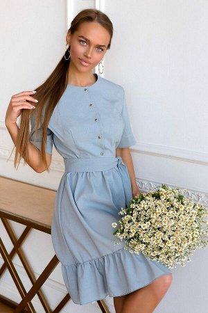 Платье Платье из текстильного полотна в приятном оттенке светлый джинс, может стать основой любого весенне-летнего гардероба. Ткань характеризуется фактурной поверхностью и мягкостью, она очень проста