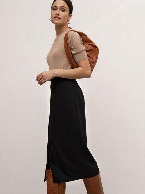 Юбка Состав ткани: 3%, Эластан Длина: 78 См. Описание модели Облегающая юбка-карандаш чёрного цвета. Модель классической длины миди с застёжкой на молнию сзади. Выполнена на подкладке, благодаря котор