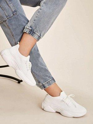 Кроссовки на шнурках и платформе