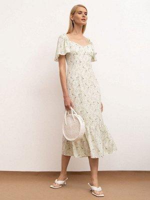 Платье Состав ткани: 100% Полиэстер Длина по спине для размера 44: 111 См. Описание модели Шифоновое платье приталенного силуэта светло-зелёного оттенка с цветочным принтом. Фигурный вырез спереди отк