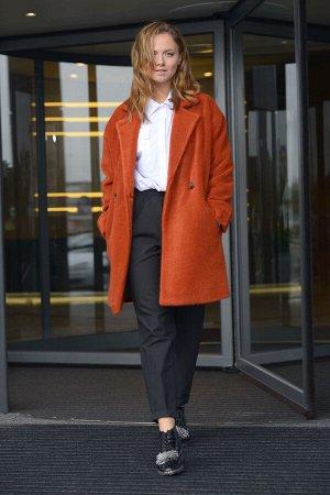 Пальто Пальто Anna Majewska 1502 рыжий  Состав: Нейлон-37%; Акрил-63%; Сезон: Осень-Зима Рост: 170  Пальто женское демисезонное свободного силуэта длиной до колена из пальтовой ткани на подкладке. В