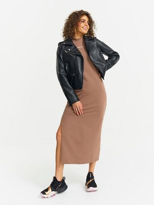 Платье Комфортное платье длиной миди свободного кроя из мягкой ткани хорошей плотности, в стиле Спорт Кэжуал. Разрез в правом боковом шве подчеркивает фигуру и делают образ особенным. Минималистичное