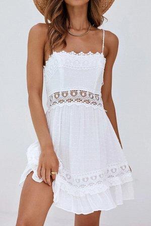 Белое платье-комбинация с кружевной вышивкой и рюшами