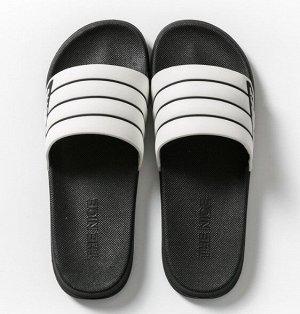 """Мужские тапочки, с открытыми пальцами, принт """"Черные полосы"""", цвет черный/белый"""