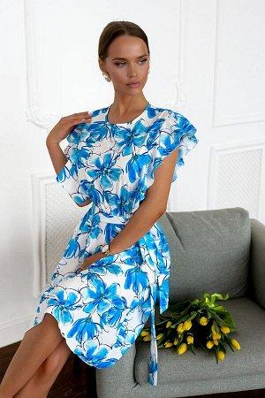 Платье Легкое летнее платье с изящными втачными рукавами -крылышками. Данный элемент совершенно новый тренд, который преобразился и сделал образ женственным, воздушным и привлекательным. На белом фоне
