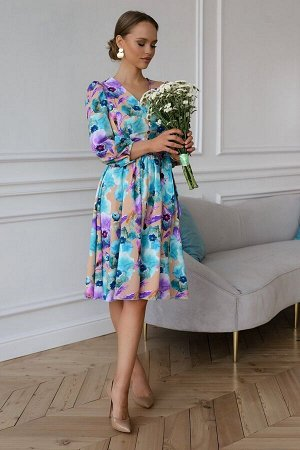 Платье Яркое красочное платье - лучший выбор для создания женственного, утонченного образа для особого торжества, а также на каждый день. Модель с расклешенной юбкой, с ремешком в комплекте. Передняя