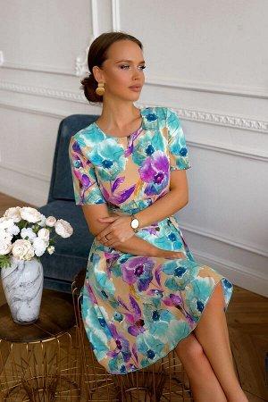 """Платье Летнее платье в многочсленных ярктх оттенках! Платье украшают разлетевшиеся по всей поверхности ткани """"экзотические"""" птицы. В тандеме с роскошными цветами платье выглядет сказочно и необычно. Ф"""