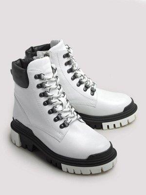 Ботинки зимние женские, белая кожа