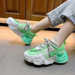 """Женские кроссовки, надпись """"What you du want"""", с флуоресцентной подошвой, цвет зеленый/белый"""