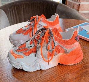 """Женские кроссовки, принт """"Брызги краски на подошве"""", цвет оранжевый/белый"""
