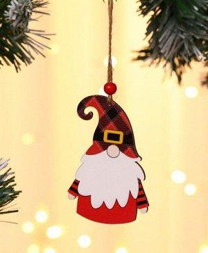 """Новогоднее подвесное украшение """"Гномик в красной шапке в клетку"""""""