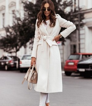 Женское пальто с поясом, цвет белый