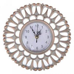 Часы Настенные часы своим эксклюзивным дизайном подчеркнут оригинальность интерьера вашего дома, а также станут прекрасным подарком близкому человеку или дорогому партнеру по работе.  Страна производи