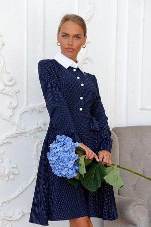 Платье Это платье создано для тех, кто ценит утонченность, элегантность, сдержанность вместе с выразительностью. Женственная модель в глубоком синем оттенке смотрится лаконично и вместе с тем нарядно,