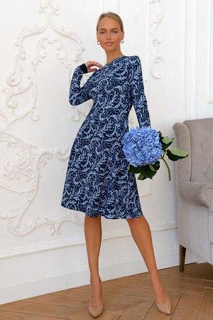 Платье Платья с природным орнаментом никогда не выходят из моды и легко адаптируются к любой цветовой гамме модного гардероба. Плотный вискозный трикотаж отличный вариант наступающей осени. Модель отл