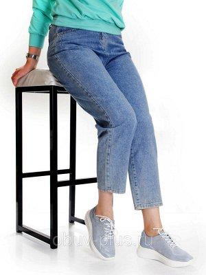 Кроссовки Страна производитель: Китай Размер женской обуви x: 38 Вид обуви: Кроссовки Пол: Женский Застежка: Шнуровка Цвет: Голубой Материал верха: Натуральная кожа Материал подошвы: ПВХ Материал подк