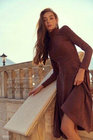 Шоколадное платье из мягкой замши