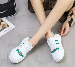 """Женские кроссовки, принт """"зеленые полосы"""", экокожа, цвет белый"""