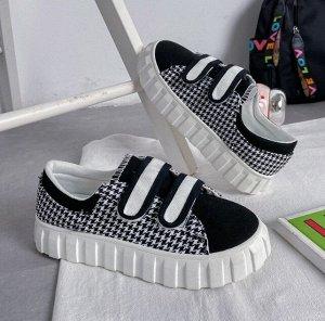 Женские кроссовки, на липучках, цвет черный