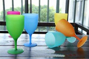 Набор матовых пластиковых бокалов
