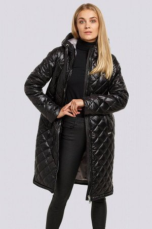 Черный Стеганое пальто в спортивном стиле прекрасно подойдет на осень. В этом пальто можно быть уверенной, что в нем будет не холодно осенними днями. Украшением изделия служит металлическая фурнитура