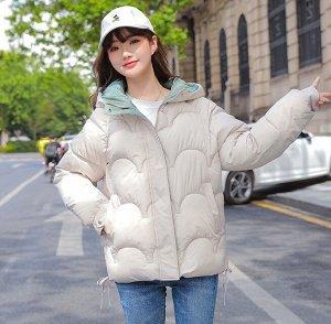 Женская демисезонная куртка, цвет молочный