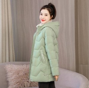 Женская демисезонная куртка, с надписями на карманах, цвет зеленый