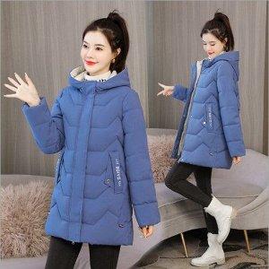 Женская демисезонная куртка, с надписями на карманах, цвет синий