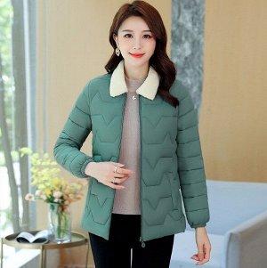 Женская стеганая куртка, с воротником из искусственного меха, цвет зеленый