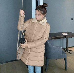 Женская удлиненная стеганая куртка, с воротником из искусственного меха, цвет хаки